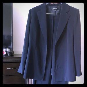 Kasper 2 piece ladies suit jacket and pants